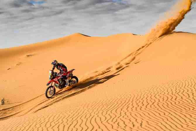 Solo dos chilenos seguros: el complejo panorama del Dakar 2021