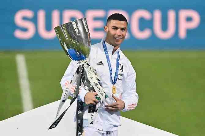 El camino de Cristiano Ronaldo para convertirse en el máximo anotador de la historia del fútbol, un récord que genera debate