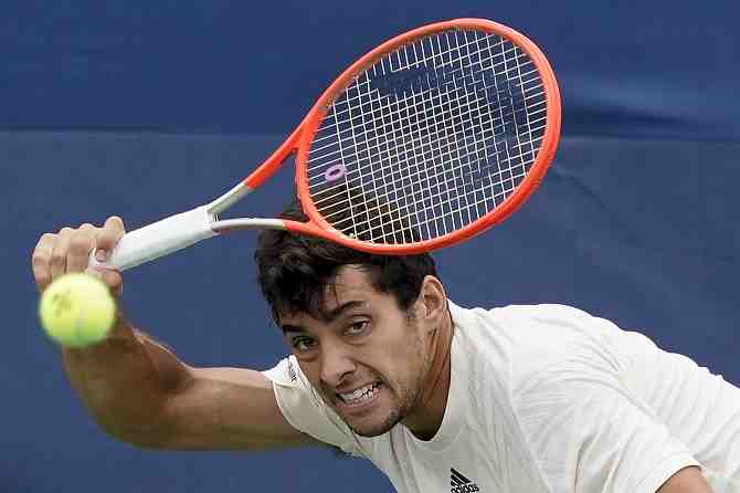 El equipo chileno de Copa Davis busca armar su fiesta patria en Bratislava