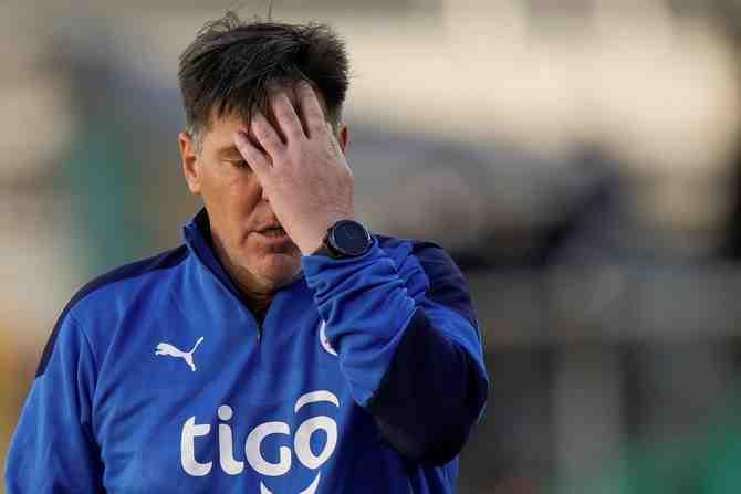 Berizzo se despide del banco paraguayo con humillante goleada y no estará ante Chile